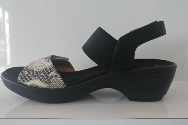 Revere Valencia sandals W fitting