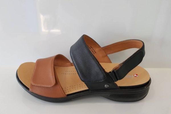 Como Tan/Black Sandals